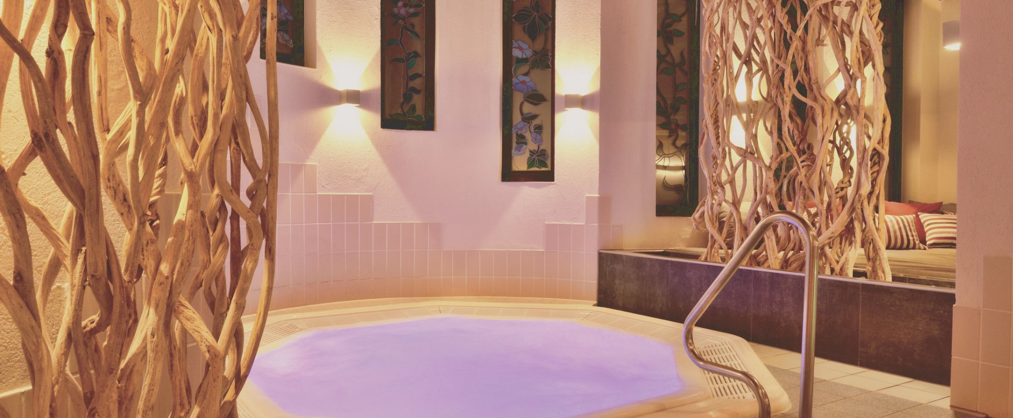 Deutschland Bad Bocklet Hotel Kunzmanns Wellness Whirlpool