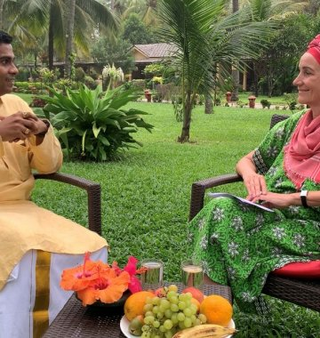 Interview mit Angela Elis und Dr. Vignesh im Sitaram Beach Retreat