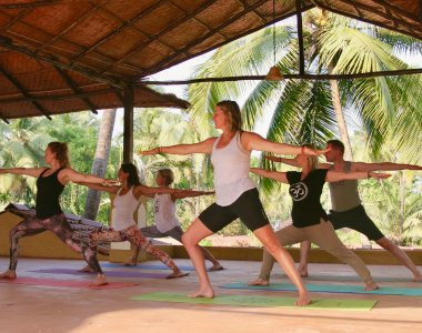 Indien Süd Goa Devarya Wellness Center Yoga Gruppe