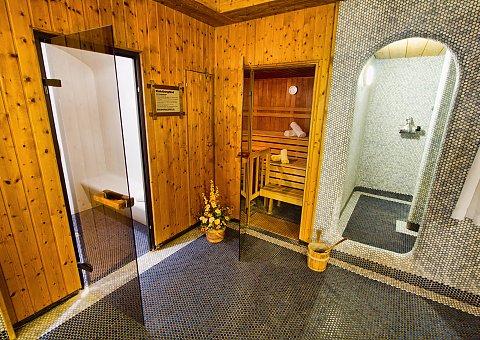 Wellness pur - Entspannen Sie sich, z.B. nach Ihren Yoga-Übungen, im Spa und genießen Sie die wohltuende und vitalisierende Wirkung der Sauna.