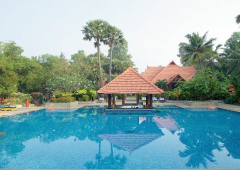 Pool des Poovar Island Resort in Kerala