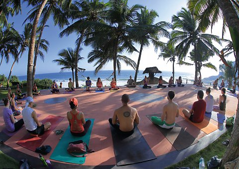 Yoga im Manaltheeram Ayurveda Resort in der Gruppe