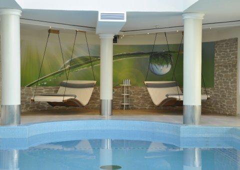 Gönnen Sie sich in den gemütlichen Hängeliegen im Naturhotel Lechlife eine kleine Auszeit.