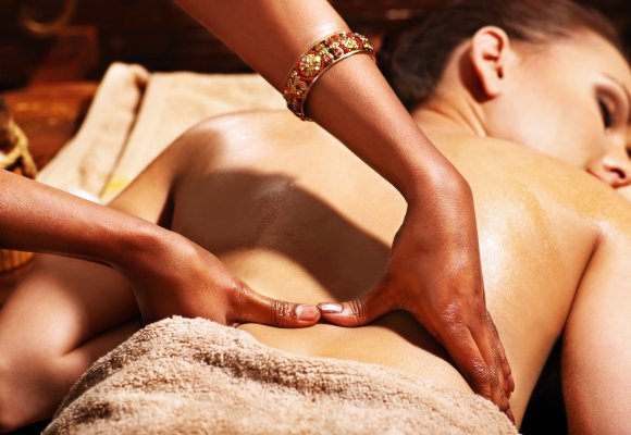 Ayurveda Massage Rücken